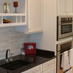 Tumbled marble backsplash
