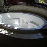 Whirlpool tub